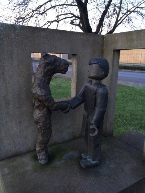 Hello creepy statues